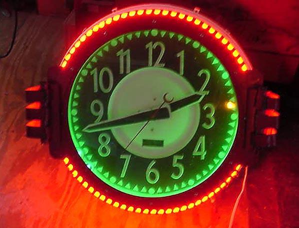 Federal Neon Clock Compa