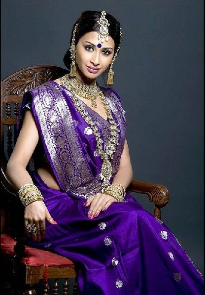 North Indian Sarees - These Sarees Come With Eye-Catching Designs .
