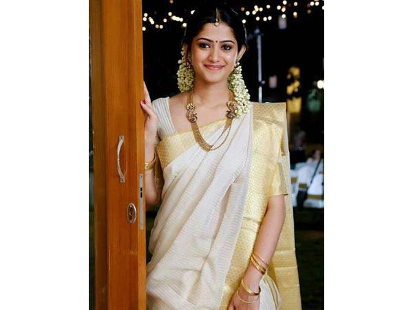 Onam 2019: Significance Of Wearing White Saree And Gold On This .