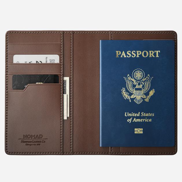 Traditional Passport Wallet | NOMAD
