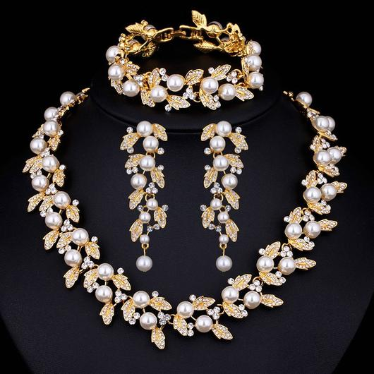 Wedding Pearl Jewelry Sets with Crystals Gold or silver Plated .