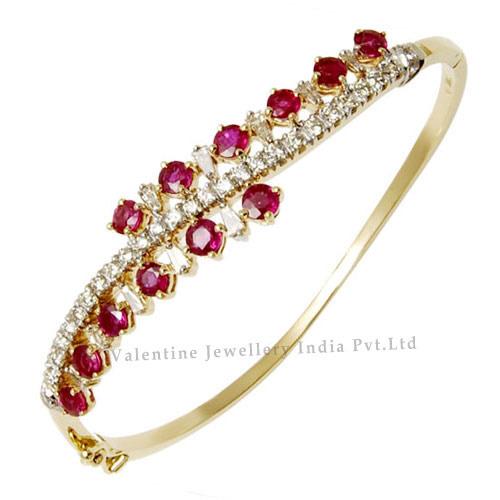 Diamond Ruby Bracelet in Yellow Gold Bracelet, रूबी .