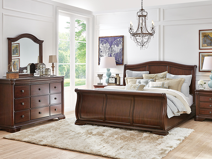 Direct Designs® Rochelle King Sleigh Bed | Steinhafe