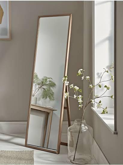 Pin by Julia Gyrych on Deign/ideas/interior | Floor mirror decor .