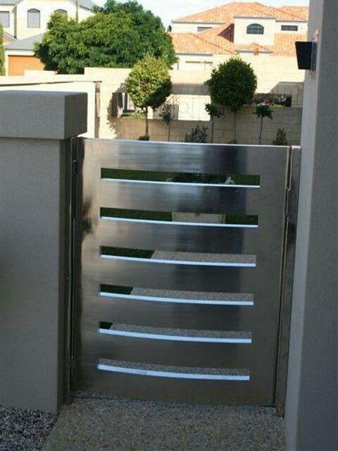 Modern gate (With images) | Gate designs modern, Steel gate design .