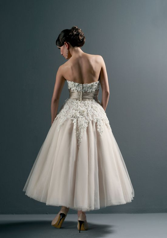 Style 8465: Floral and Tulle Tea Length Wedding Dress | Justin .