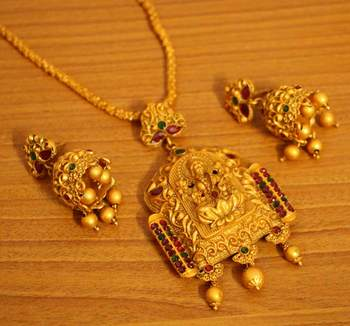Matt Gold Finish Multicolour Temple Jewellery Pendant Set - Sanvi .
