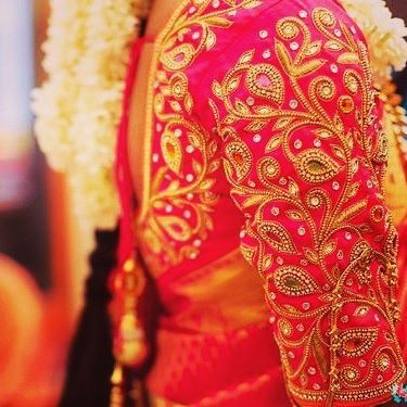 red bridal blouse for silk saree (With images) | Silk saree blouse .