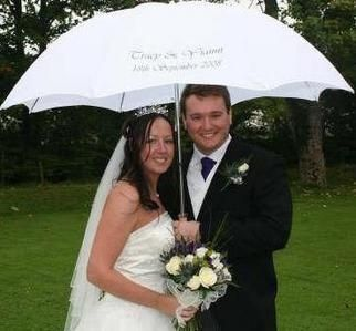 Personalised umbrella for a wet wedding - so sweet! (con imágenes .