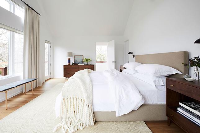 White Bed Sheet Designs