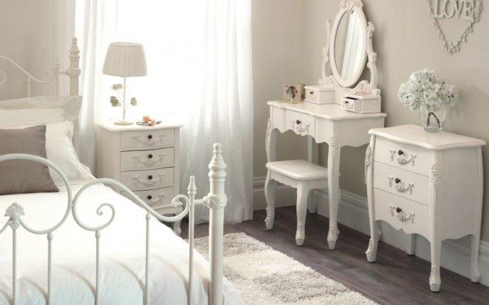Vintage White Furniture | Antique furnitu