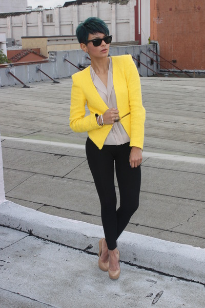 Yellow Zara Blazers, Black Zara Pants, Camel Charles David Pumps .